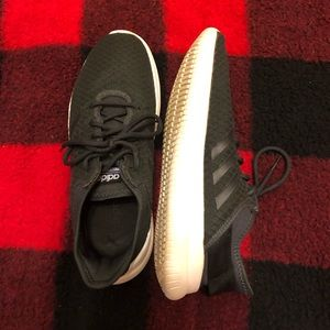 Adidas cloud foam tennis shoes